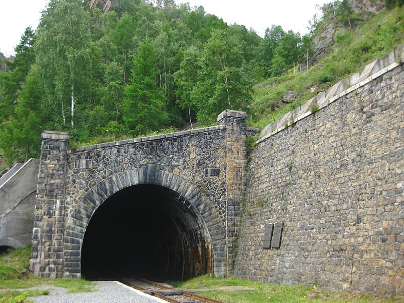 Tunnel - Tourism on Lake Baikal