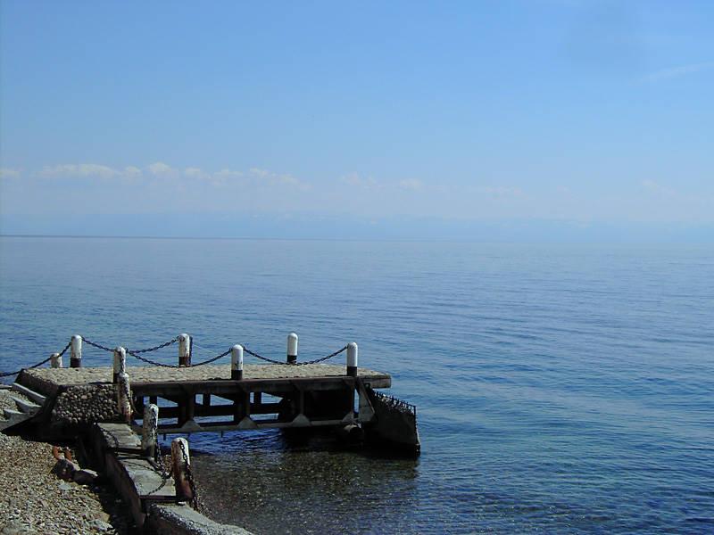 Small pier - Rest in Listvyanka